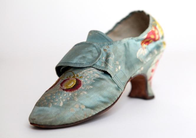 turquoise shoe